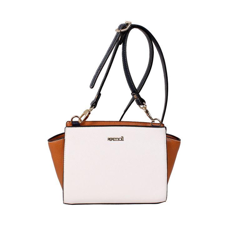 Nos encanta este bolso de Pepe Moll Modelo 50073, lo encontrarás en https://www.facebook.com/escorpio.zapateria