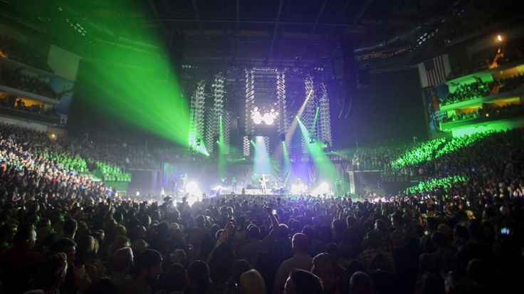 On the Beat: Eric Church draws nearly 16,000 to arena concert ...