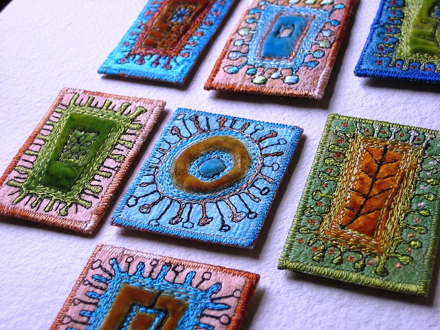 brooches: Brooches Crafts Decorating, Art Quilt, Jewelry Crafting, Embroidered Brooches, Craft Ideas, Photo