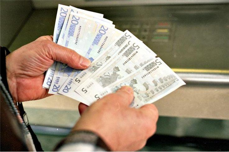 Os cartões multibanco podem ter os dias contados, já que a partir do primeiro trimestre de 2017 será possível levantar dinheiro nas caixas automáticas sem cartão.