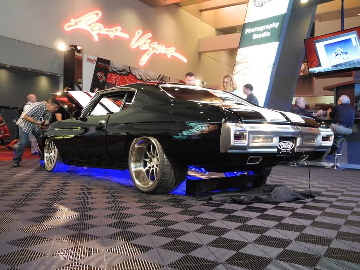 """With the 2016 SEMA Show less than 2 weeks away, we're throwing back to another one of our favorites builds: Moe's 1970 Chevelle, by Detroit Speed, and the 2015 winner of the prestigious GM Design Award for """"Best Chevrolet G-Machine""""! It's powered by a 1000+HP Whipple-supercharged Mast Motorsports 427ci LSX and rides on Forgeline ZX3P wheels finished with Titanium centers & Polished outers! See more at: http://www.forgeline.com/customer_gallery_view.php?cvk=1491 #Chevelle #protouring…"""