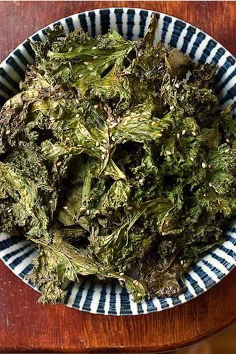 10 delicious ways to make kale chips! (photos by Maria del Rio)