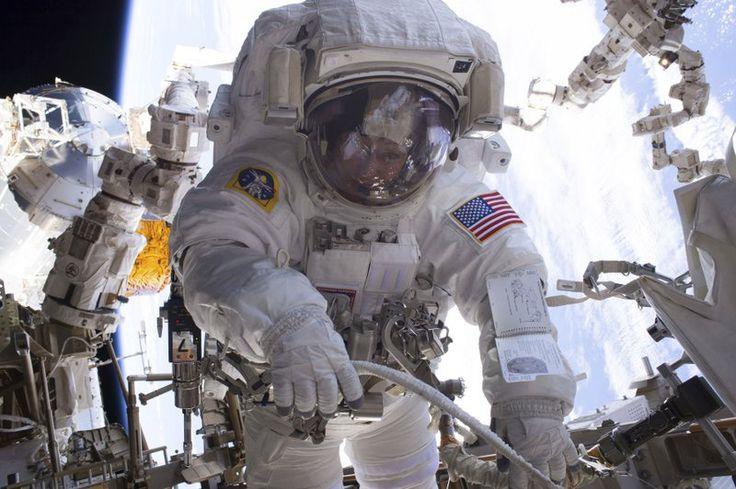 ❝ La NASA se está quedando sin trajes espaciales ❞ ↪ Vía: Entretenimiento y Noticias de Tecnología en proZesa