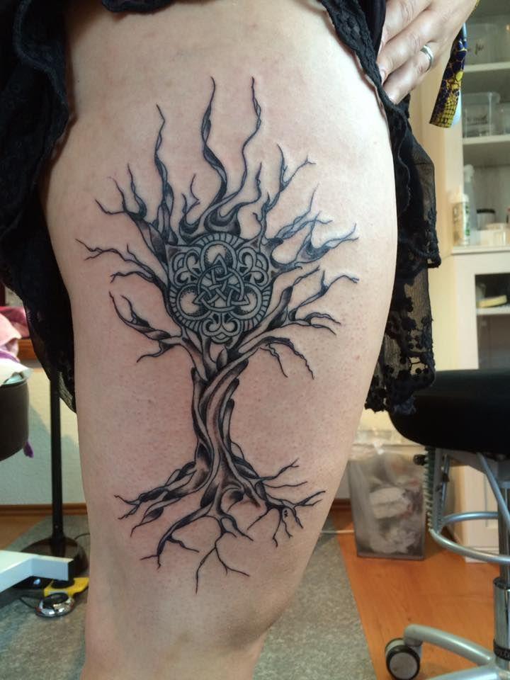 FARBREIZ Tattoo & Art www.farbreiz-tattoo.de claudia@farbreiz-tattoo.de #celtic #keltisch #baum #knoten #tattoo