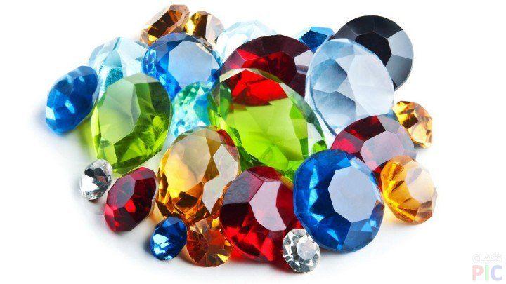 Разноцветные драгоценные камни