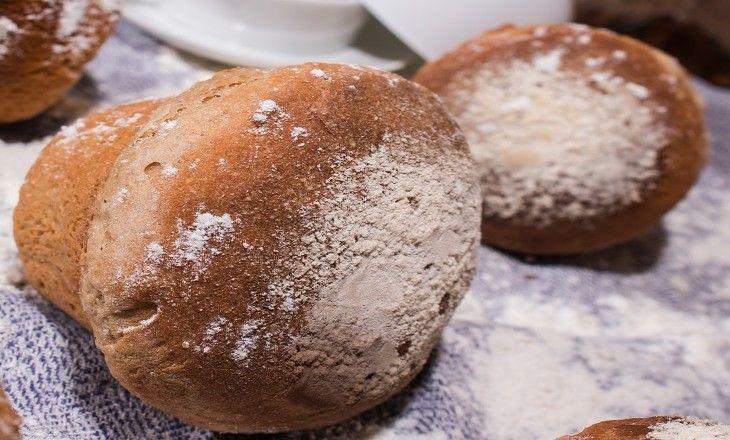 Ett mustigt och gott vörtbröd bakat med julmust och porter.
