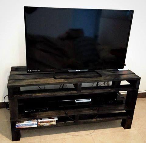 Mueble para televisi n hecho de tarima muebles con - Muebles para teles ...