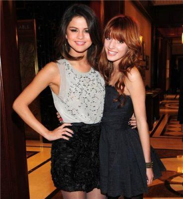 selena and bella thorne photos | bella thorne 143 @ hotmail com bella thornes email d