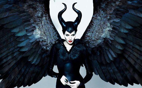 Inspiration, alle Accessoires und eine Schmink-Anleitung, damit du dein Maleficent Kostüm selber machen kannst.