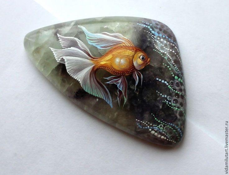 Купить Золотая рыбка на флюорите - разноцветный, золотой, золотая рыбка, рыбка, вода, водный мир