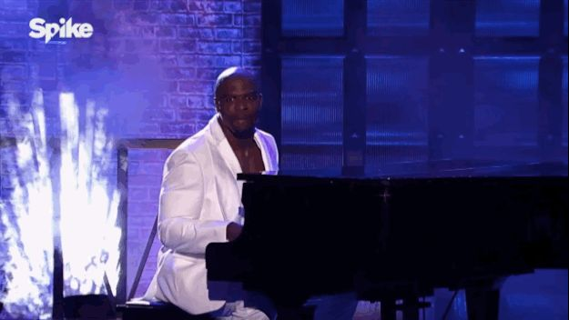 """The """"gentle giant"""" began his performance of Vanessa Carlton's """"A Thousand Miles"""" in an all-white suit in front of a piano. 