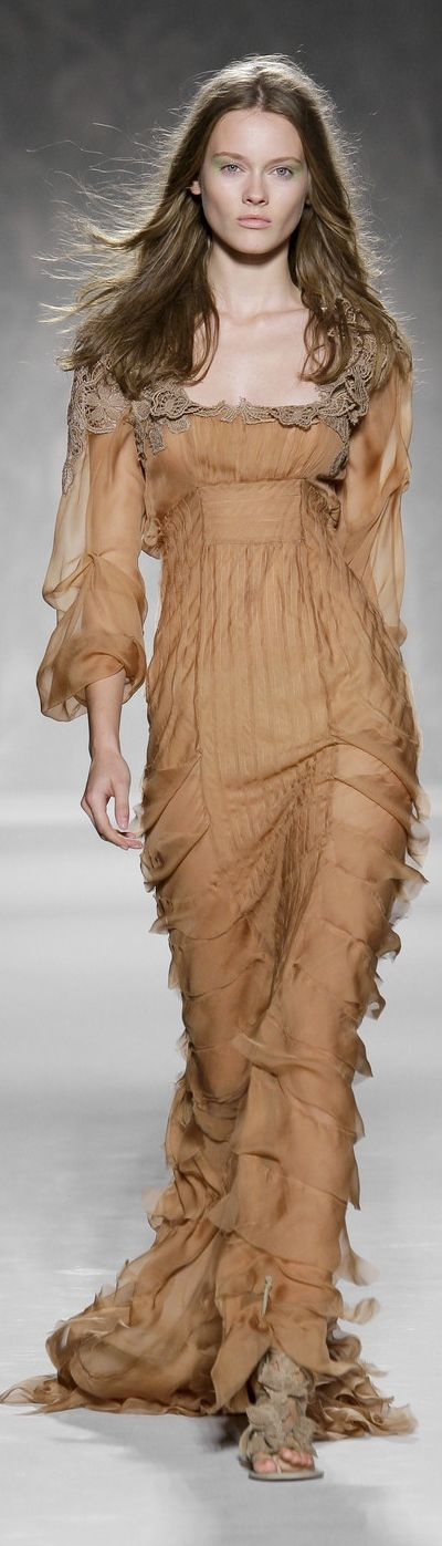 Alberta Ferretti Spring 2011 ~ Milan