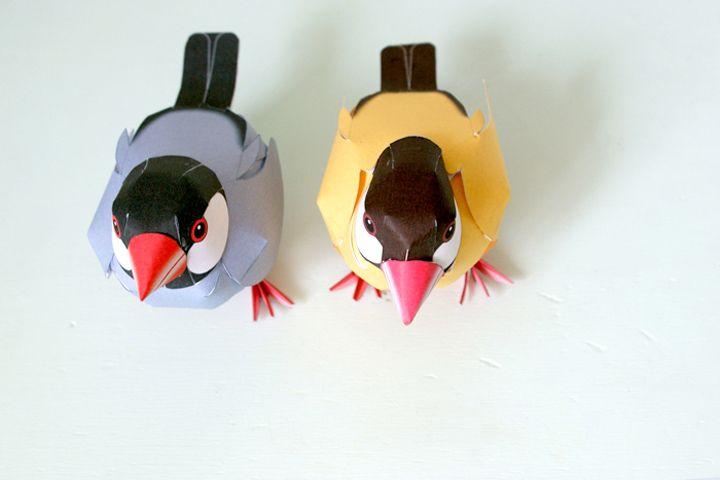 Ok, alors là c'est de la bonne les amis, de la bonne adresse ! J'ai un bon site pour que vous puissiez mettre des petits oiseaux en papier chez vous !En recherchant des paper toys, je suis tombée sur des petits moineaux d'amour (moineaux de Java pour être précise). Ils sont à la fois réalistes …