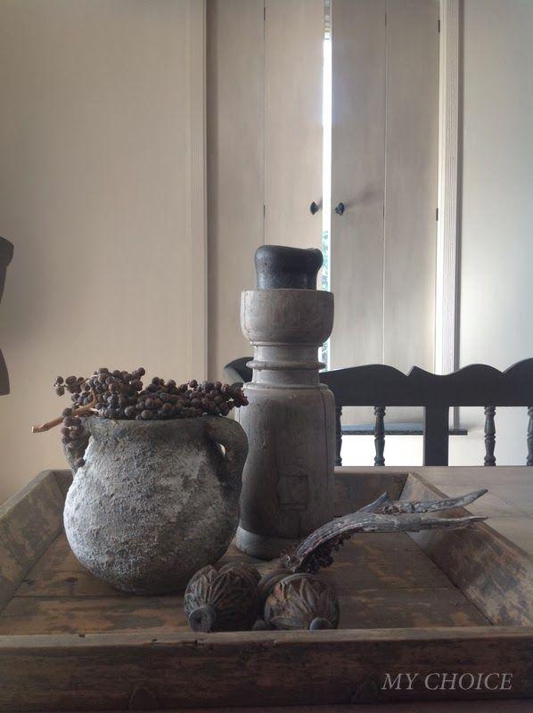 Mooie cementkleurige vaas & kandelaar.