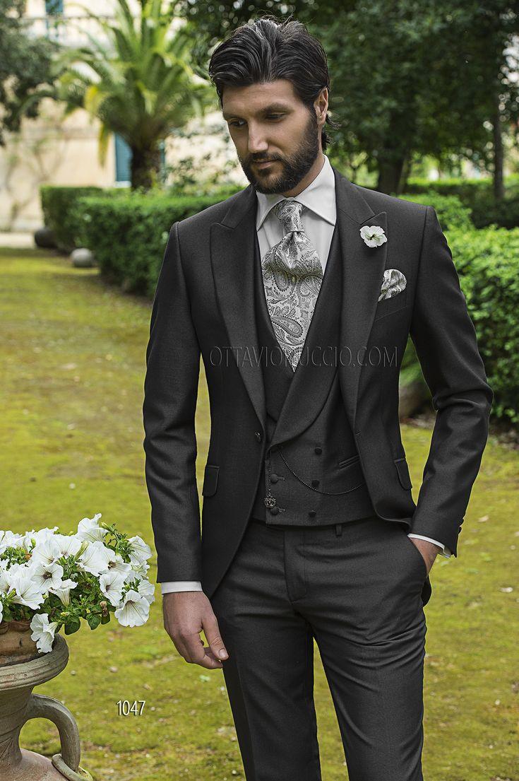 Tight grigio antracite con Gilet doppio petto e Cravatta jacquard