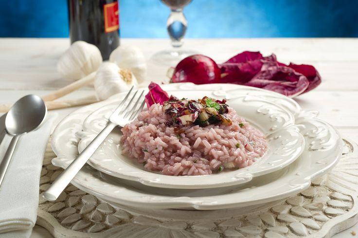 Risotto noci e radicchio  Un risotto cremoso e dal gusto delicato per portare in tavola un piatto semplice e nutriente senza sprechi adatto a tutti