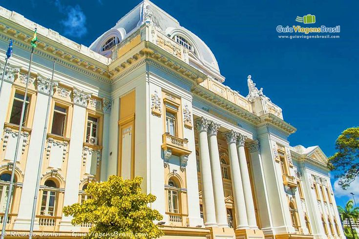 Prédio do Palácio da Justiça no Recife Antigo, Recife, capital do estado de Pernambuco, Brasil.   Fotografia: Ricardo Junior / www.ricardojuniorfotografias.com.br