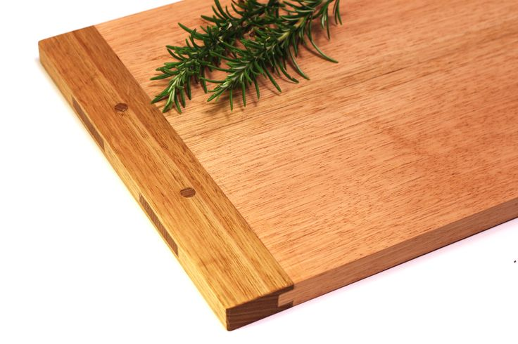 Traditional breadboard, featuring tongue and groove and mortice and tenon joints. Makde from Tasmanian oak. #handtools #woodworking #choppingboard #breadboard