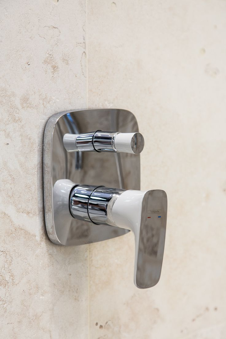 #Viverto #inspiracjeViverto #łazienka #bathroom #tiles #płytki #kolory #inspiracja #inspiracje #pomysł #idea #perfect #beautiful #nice #cool #wnętrze #design #wnętrza #wystrójwnętrz #łazienki #jasno #pięknie #ściana #wall #light #white #biel #beże #beż #sun #sunny #bateria #armatura