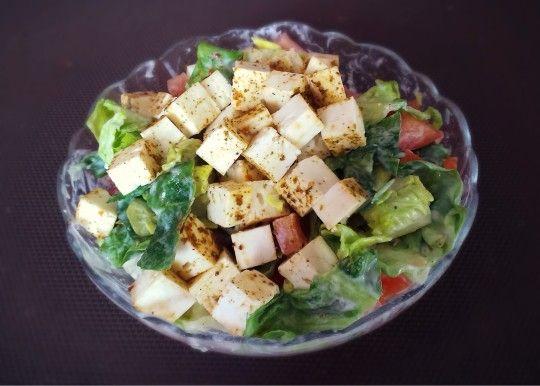 Zeleninový salát s balkánem - http://www.mytaste.cz/r/zeleninov%C3%BD-sal%C3%A1t-s-balk%C3%A1nem-23817753.html