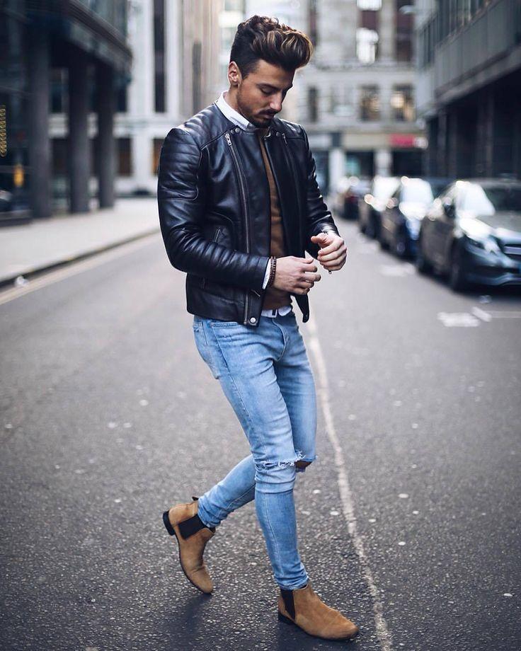 braune jacke und schwarze schuhe