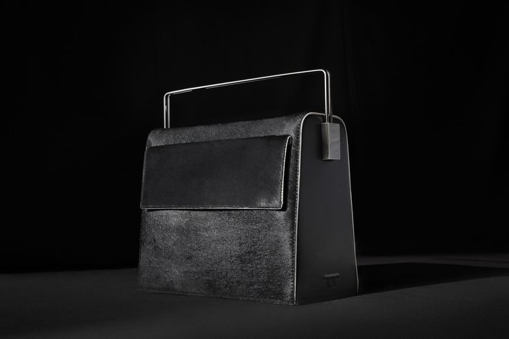 My Funny Valentine Pure Black Limited Edition www.lautemshop.com #lautem #design #handbags #black
