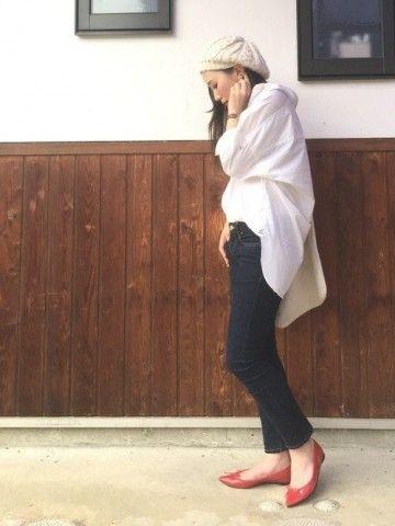 赤がさし色 white long shirts cardigan outfit  ホワイト ロング カーディガン シャツ コーデ コーディネート