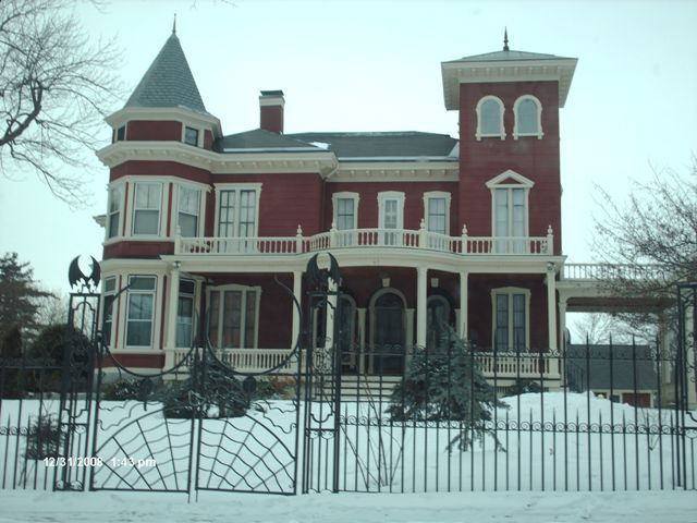 King's house... - Bangor, Maine. One of the sights I visited this week. Majorly creepy. Dr smith would approve, though...
