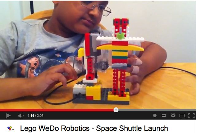 A young engineer demonstrates his rocket launchpad built and programmed with LegoWeDo.: Engine Demonstrations, Physics Computers, Rockets Launchpad, Teaching Ideas, Primary Computers, Launchpad Built, Young Engine, Mondes Virtuels