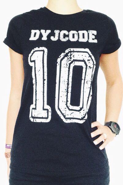Perfect t-shirt met de nummer 10 van de Anderlecht speler Dennis Praet