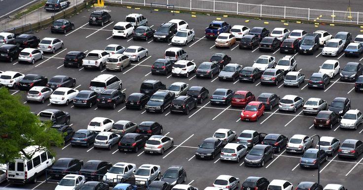 http://ift.tt/2jZV6UR http://ift.tt/2k02OOX  El crecimiento interanual en los registros de autos nuevos también se evidenció en el registro de motos y maquinaría agrícola vial o industrial.  Según las estadísticas de la Dirección Nacional del Registro Automotor y Créditos Prendarios (DNRPA) en enero de 2017 se patentaron 93.129 autos cero kilómetros un 60% más que los vehículos patentados durante el mismo periodo en 2016. Los datos se desprenden del primer informe estadístico del 2017…