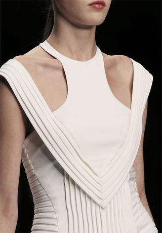 David Koma, pleat detail #witcherystyle
