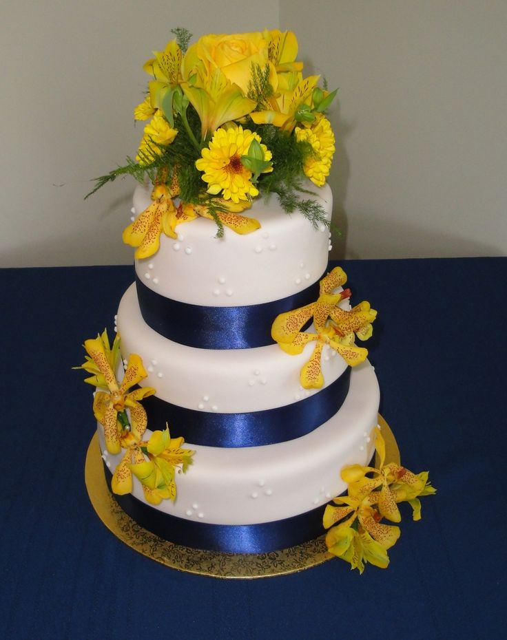 simple wedding cakes with blue flowers 93 best help with wedding plans images on 20095