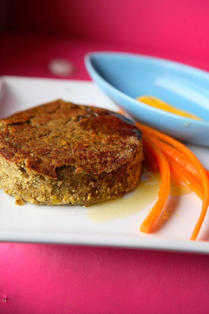 Scopri su Sale&Pepe come realizzare la ricetta di un hamburger vegetariano molto gustoso.