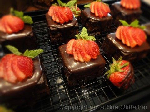 Chocolate-Cake-with-Strawberry-Apricot-Jam101