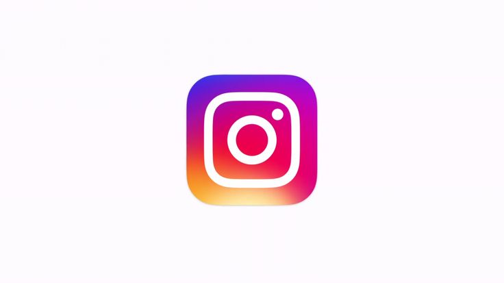 """Instagram cambia el diseño del logotipo tras cinco años   La camarita tipo 'vintage' que desde su inicio identificó a la aplicación Instagram cambió de look.  La red social propiedad de Facebook quiere apartarse de la imagen de """"aplicación para fotografías"""" que en términos generales se asocia con su marca.  El nuevo diseño con una cámara más simple y un arco iris en forma de gradiente se da tanto para el icono de la aplicación como para todo en el interior de la misma.  Según dijo la red…"""