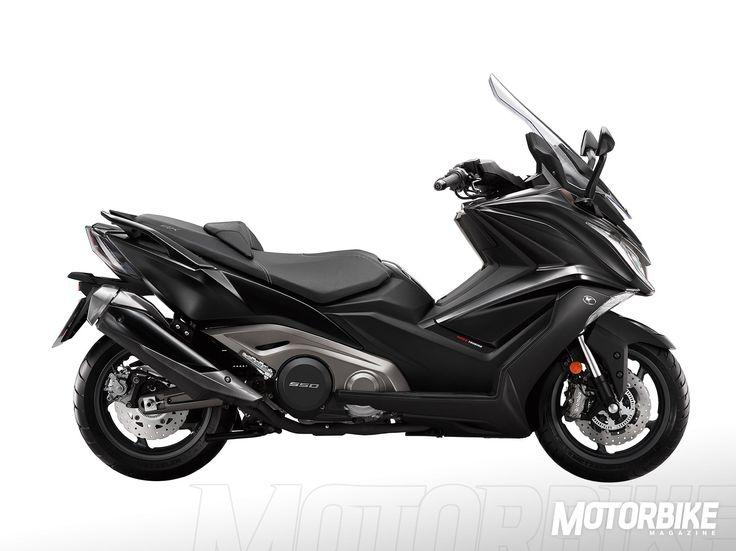 """KYMCO AK 550 2017, precio: €, ficha, fotos, vídeo, colores y motos rivales. El precio del KYMCO AK 550 2017 todavía no está decidido, pero puede ser un auténtico dolor de cabeza del rey de los maxi-scooter deportivos, el <a href=""""http://www.motorbikemag.es/ficha-tecnica/yamaha-t-max-2015/"""" target=""""_blank"""">Yamaha T-Max</a> (), al que mejora los datos de potencia y otro equipamiento. El <a href=""""http://www.motorbikemag.es/ficha-tecnica/bmw-c-650-sport-2016/"""" target=""""_blank"""">BMW C 650…"""