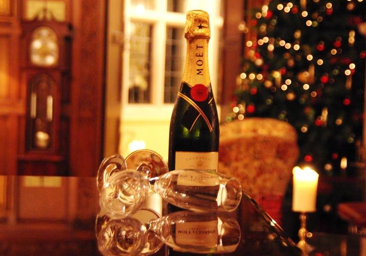 Greenwoods Hotel & Spa @GreenwoodsHotel Call 01277 829990 to book your Christmas Party Night here at Greenwoods! Mon-Thurs £44.95pp, Fri or Sat £54.95pp. Includes drinks on arrival, a delicious four course meal, 1/2 bottle of wine per person and a live band & disco! http://www.greenwoodshotel.com/