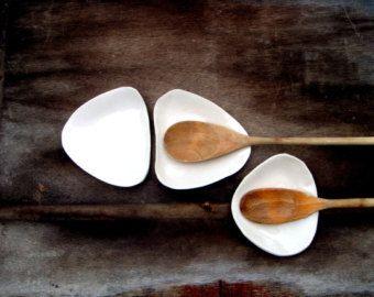 Minimalist Ceramic Spoon Rest, Ceramic Spoon Holder, Pottery Spoon Rest, Ceramics & Pottery, Housewares, Kitchen Accessories  This is a unique organic