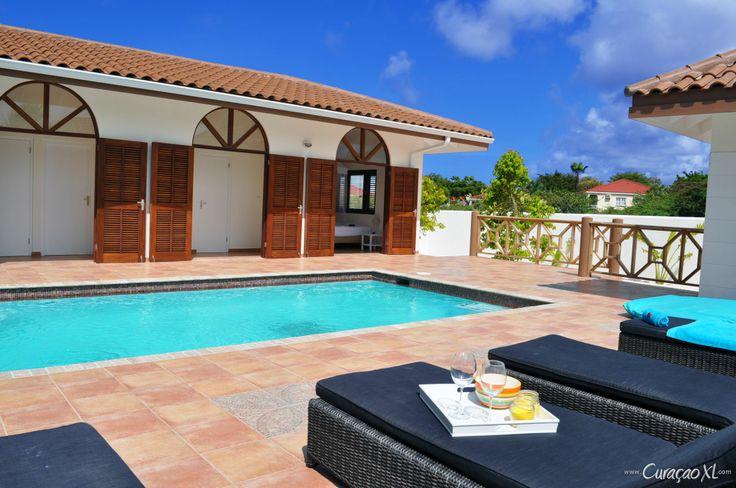 Boek comfort   luxe bij CuraçaoXL: Vakantiehuis La Quinta Alida - Vista Royal http://www.curacaoxl.com/nl/