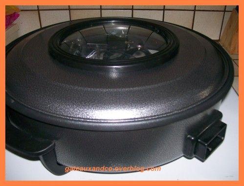 J'ai voulu tester un tout nouvel appareil électrique, offert par my mother, la poêle électrique. L'embêtant c'est que je n'ai pas trouvé de recettes. Je me suis donc rabattu sur des recettes proposées pour le wok électrique. Et j'ai bien fait ! Recette...