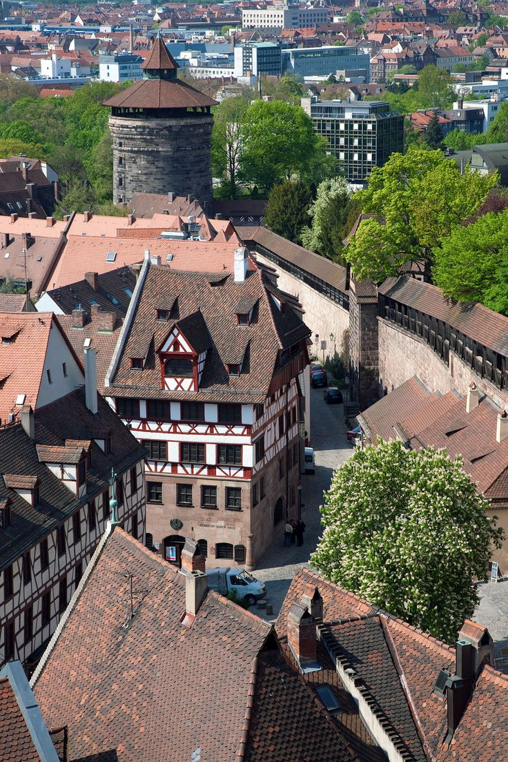 Blick von der Burg auf die Altstadt / View from Nuremberg castle onto the old city with Albrecht Dürer's house