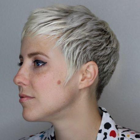 60 Cute Short Pixie Haircuts – Femininity and Practicality