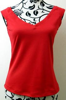 Blusa bonita y moderna para lucir en verano. Manga ranglan corta y cuello en V…