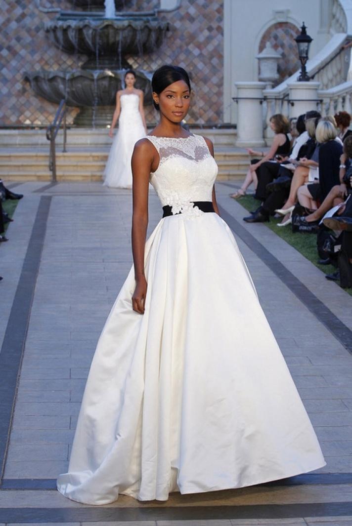black and white weddingsFashion Weeks, Wedding Dressses, Lace Tops, White Wedding Dresses, Enzoani 2013, Enzoani Spring, Wedding Blog, Bridal Fashion, 2013 Collection