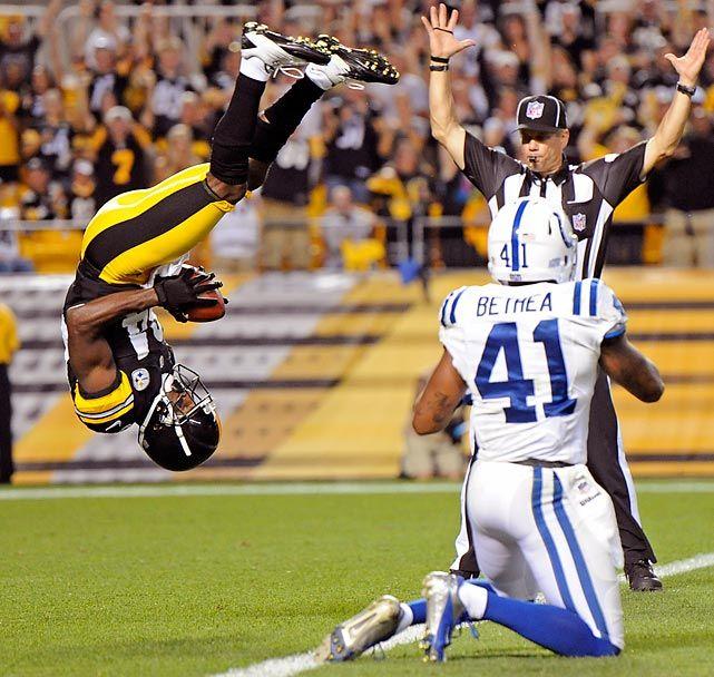 Pittsburgh Steelers wide receiver Antonio Brown shows off his gymnastics skills
