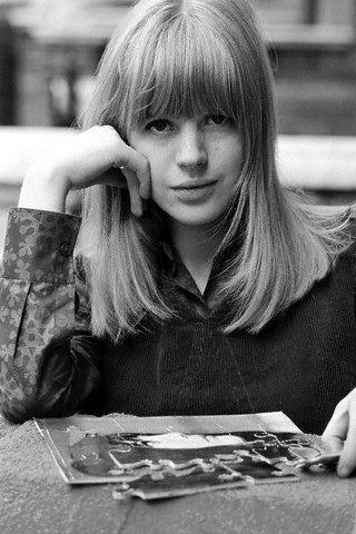 Classic Marianne Faithfull ... As tears go by, so do the decades ...