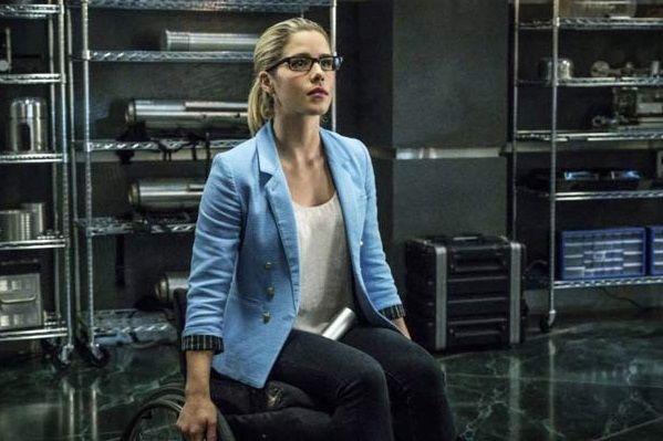 'Arrow' Fan Favorite Felicity Smoak to Finally Get a Superhero Suit on 'Legends of Tomorrow'