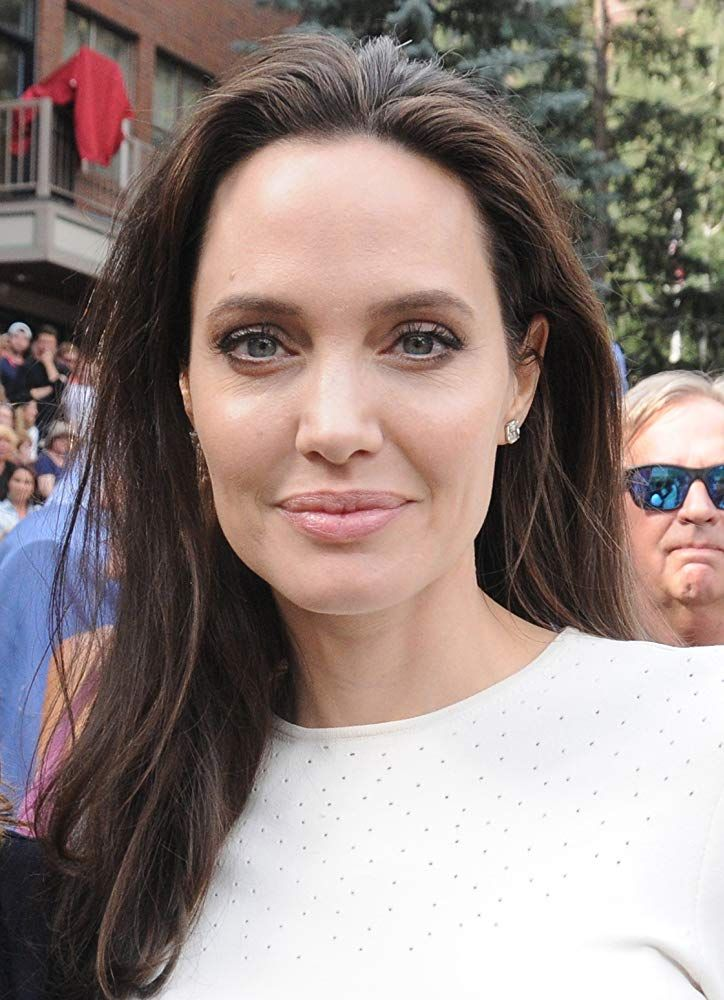 Angelina Jolie Photo Pictures First They Killed My Father Essay