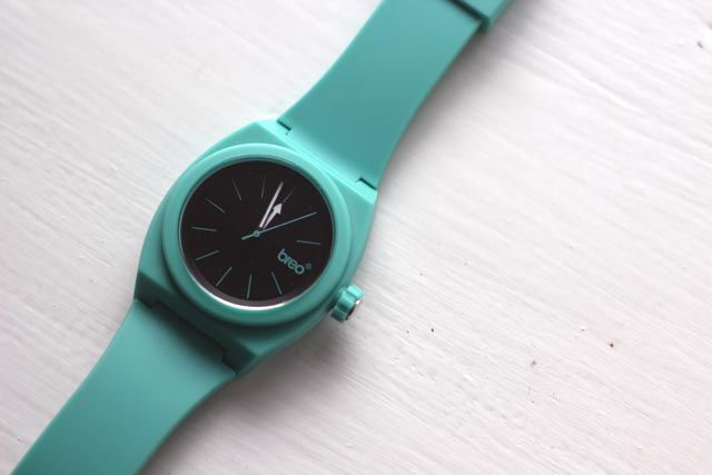 Breo Unisex Overtone Mint Watch Competition | Strawberry Squeeze